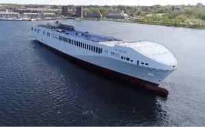 De Alf Pollak het grootste vrachtschip dat lijndiensten gaat uitvoeren in de Middellandse Zee