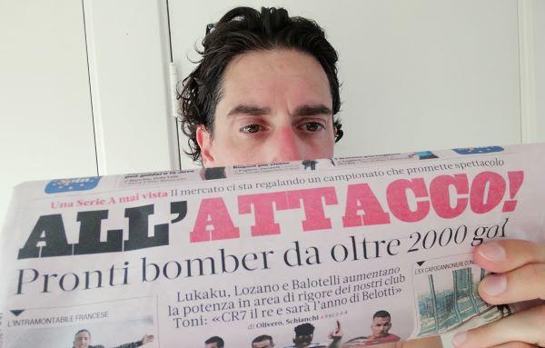 De auteur van dit blog leest een Italiaanse krant