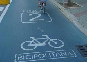 Een fietspad in Padua, met een fietssymbool en de term Bicipolitana